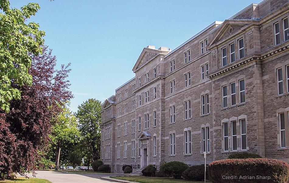 St. Pauls University